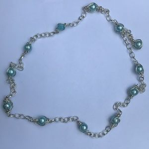 Beaded wire pearl necklace